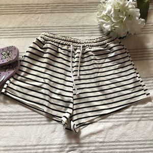 Pants - NWOT - Striped Shorts w/Drawstring Waist
